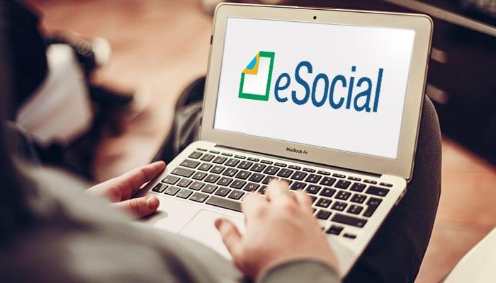 transferência de titularidade no eSocial